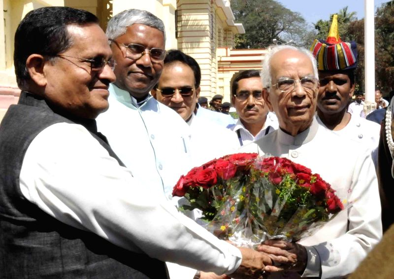 Bihar Assembly speaker Uday Narain Choudhary and Bihar Legislative Council Awadhesh Narain Singh welcome Bihar Governor Keshari Nath Tripathi at Bihar assembly in Patna, on March 11, 2015. - Uday Narain Choudhary and Keshari Nath Tripathi