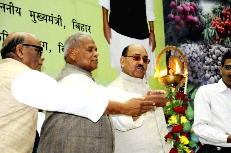 Bihar Chief Minister Jitan Ram Majhi during inauguration of a programme in Patna on Nov 18, 2014. - Jitan Ram Majhi