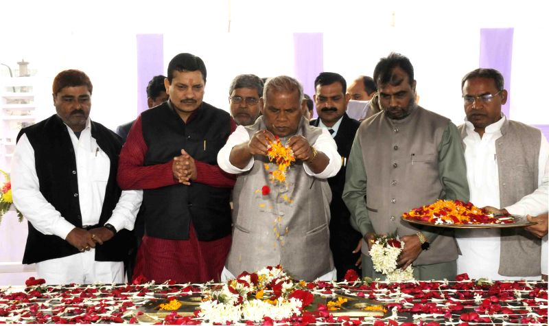 Bihar Chief Minister Jitan Ram Majhi pays tribute to the first President of India Dr. Rajendra Prasad on his birth anniversary in Patna, on Dec 3, 2014. - Jitan Ram Majhi
