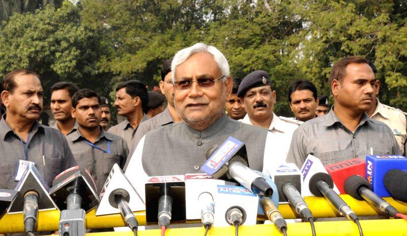 :Patna: Bihar Chief Minister Nitish Kumar interacts with journalists in Patna, on Nov 14, 2015. (Photo: IANS). - Nitish Kumar