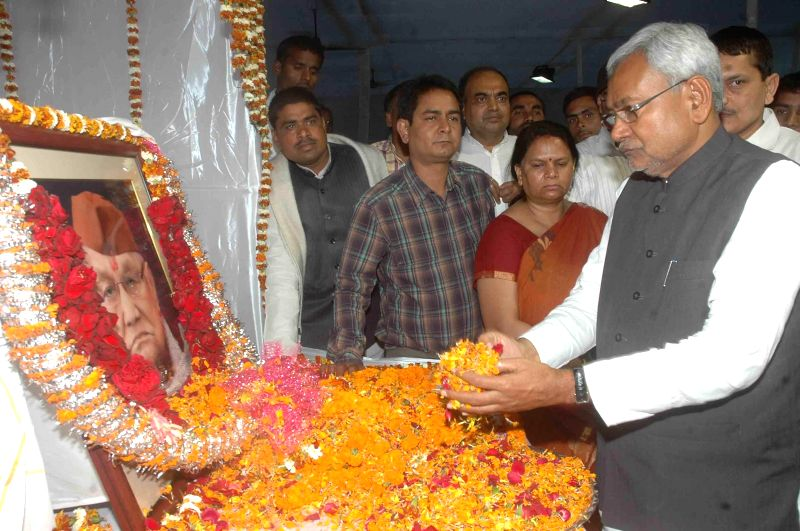 Bihar Chief Minister Nitish Kumar pays tribute to former Bihar chief minister Ram Sundar Das during a programme in Patna, on March 20, 2015. - Nitish Kumar