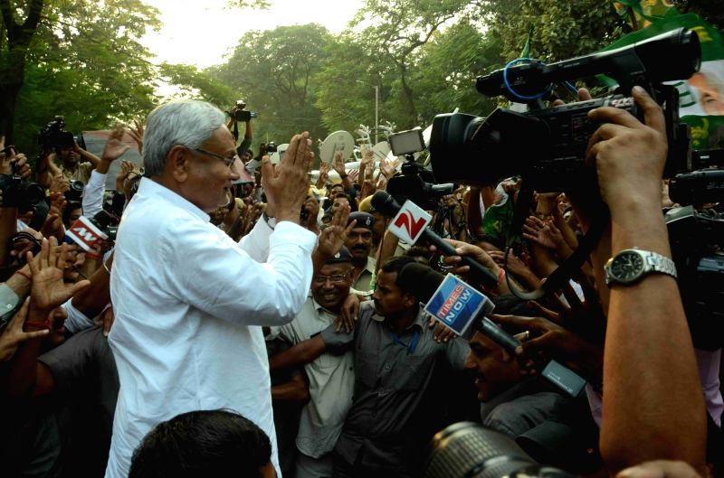 :Patna: JD(U) leader Nitish Kumar interacts with press in Patna, on Nov 8, 2015. (Photo: IANS). - Amit Shah