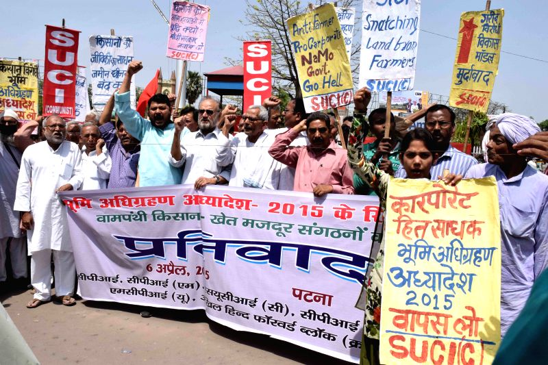 Leftist organisations stage a demonstration against the land acquisition law in Patna, on April 6, 2015.