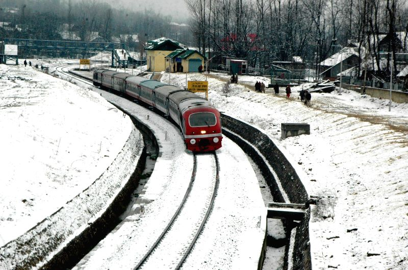 Kashmir in photos: Snowfall in Qazigund of Jammu and Kashmir Feb. 2, 2015.