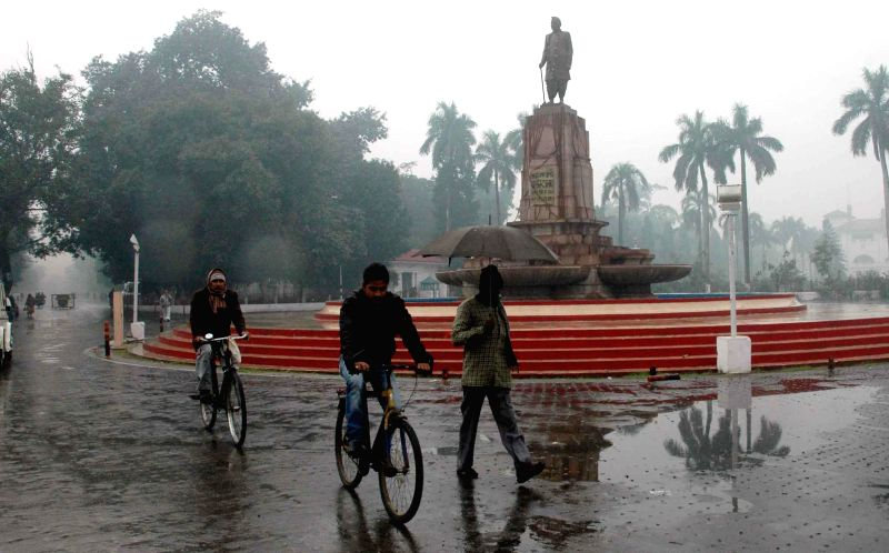 Winter rains lash Patna, on Jan 2, 2015.