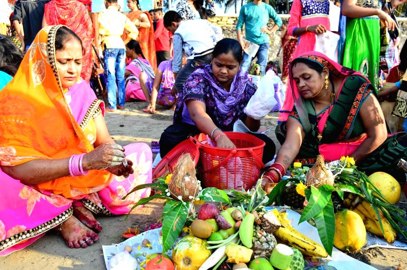 People celebrate Chhath Puja in Mumbai on Nov 18, 2015.