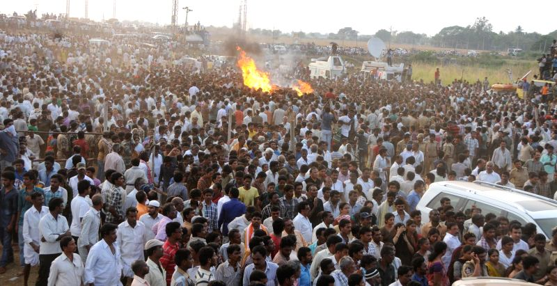 People gather at the cremation of YSR Congress leader Shobha Nagireddy who succumbed to the injuries sustained in a road accident en route to her native place Allagadda from Nandyal in Kurnool ...