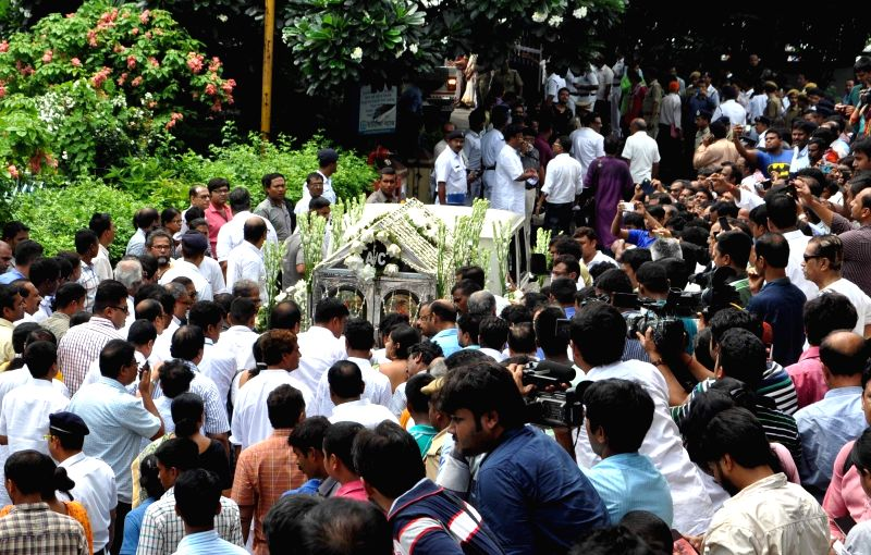 People in large numbers pay tribute to eminent writer and social activist Mahasweta Devi who passed away on 28th July following a cardiac arrest and multi-organ failure, at Rabindra Sadan in ...