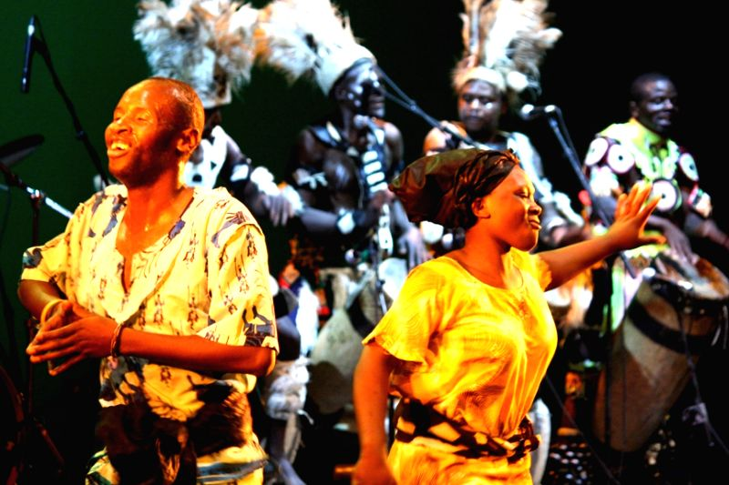 "Performance by the Zambian cultural dance troupe, at the ""Africa festival"", in New Delhi on June 18, 2012."
