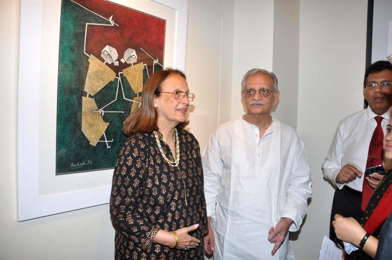 Pheroza Godrej and Lyricist Gulzar during the inauguration of painting exhibition Epic on Rock Shelters by artist Ashok Bhowmick in Mumbai on April 15, 2014. - Ashok Bhowmick
