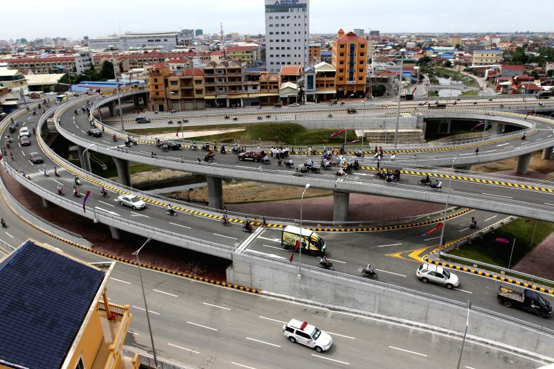 Picture taken on July 31, 2014 shows Stung Meanchey overpass in Phnom Penh, Cambodia. Cambodian Prime Minister Hun Sen opened the third overpass for traffic on . - Hun Sen