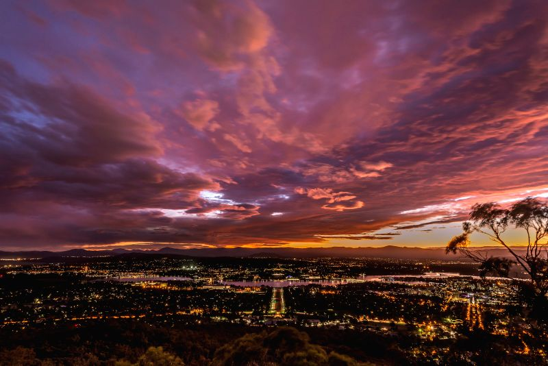 Photo taken on Nov. 29, 2015 shows the sunset in Canberra, Australia.
