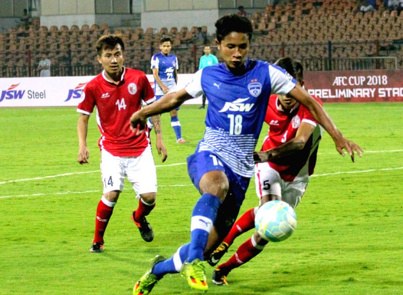 Players in action during an ISL match between Bengaluru FC and Transport United FC at Sree Kanteerava Stadium in Bengaluru on Jan 30, 2018.