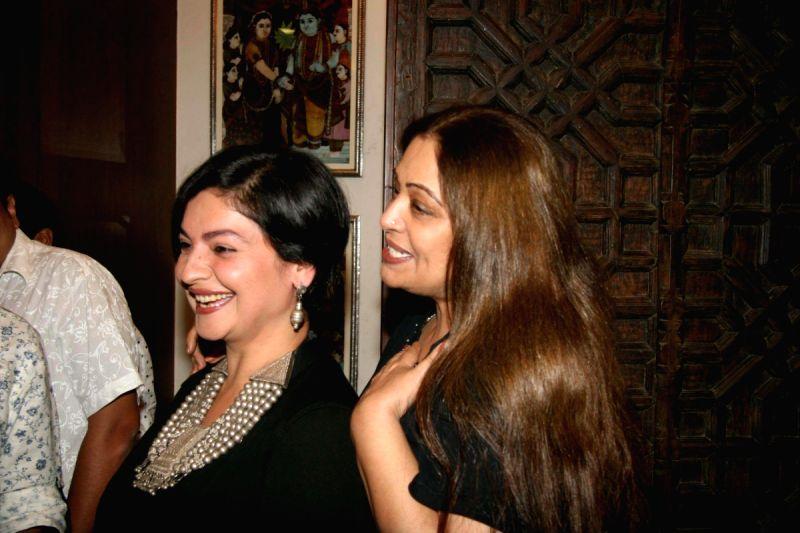 - pooja-bhatt-and-kiran-kher-at-amparpali-jewels-6432