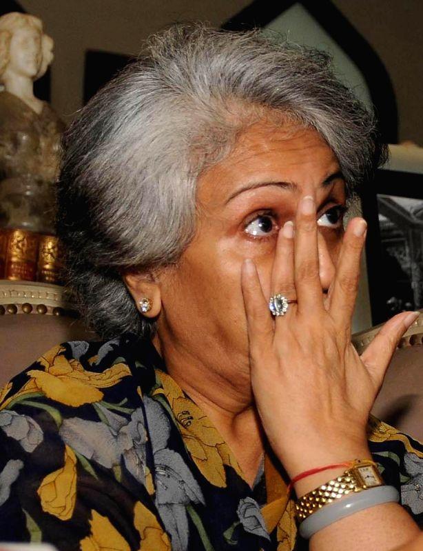 Pramoda Devi Wadiyar, wife of the Scion of Mysore Royal Family Late Srikanta Datta Narasimharaja Wadiyar weeps during the press conference at Mysore Palace premises, in Mysore on Aug. 2, 2014.