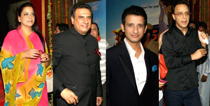 Pratibha, BJP leader L.K Advani, actors Boman Irani, Sharman Joshi and director Vidhu Vinod Chopra at a special scrennig of the film `Farrari Ki Sawaari`, at a cinema theater in old Delhi, Tuesday... - Boman Irani, Sharman Joshi, K Advani and Vidhu Vinod Chopra