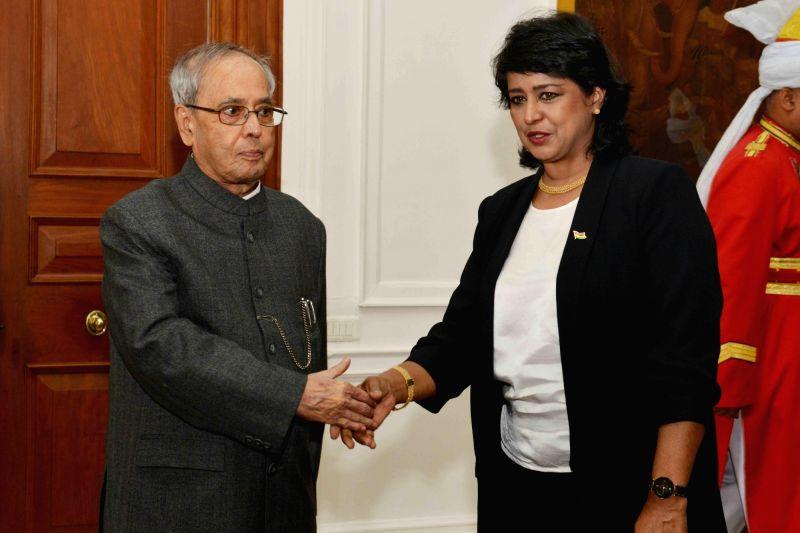 President Bibi Ameenah Firdaus Gurib-Fakim of Mauritius calls on President Pranab Mukherjee at Rashtrapati Bhawan in New Delhi on Dec 7, 2015. - Pranab Mukherjee