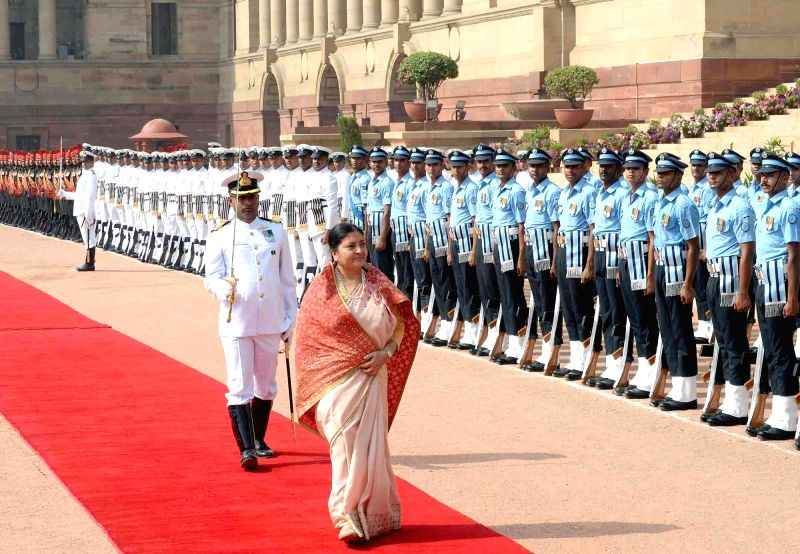 President of Nepal Bidhya Devi Bhandari inspecting the Guard of Honour, at the Ceremonial Reception at Rashtrapati Bhavan,  in New Delhi on April 18, 2017.