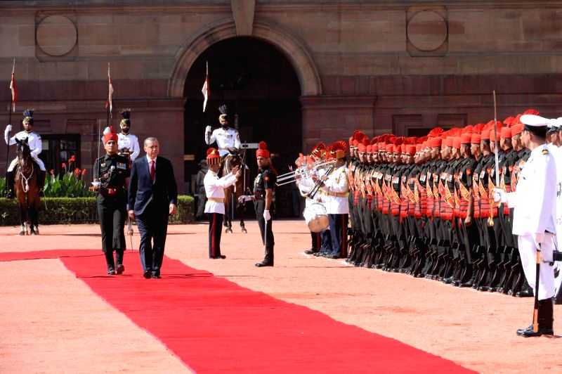 President of Republic of Turkey, Recep Tayyip Erdogan inspecting Guard of Honour during his ceremonial reception at the forecourt in Rashtrapati Bhavan, New Delhi on May 1, 2017.