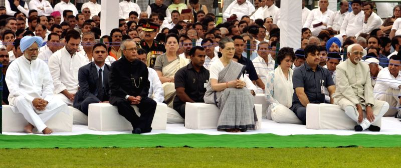 President Pranab Mukherjee and Vice-President Mohammad Hamid Ansari with Congress President Sonia Gandhi and former Prime Minister Dr Manmohan Singh during a programme organised on the ... - Sonia Gandhi, Pranab Mukherjee and Manmohan Singh