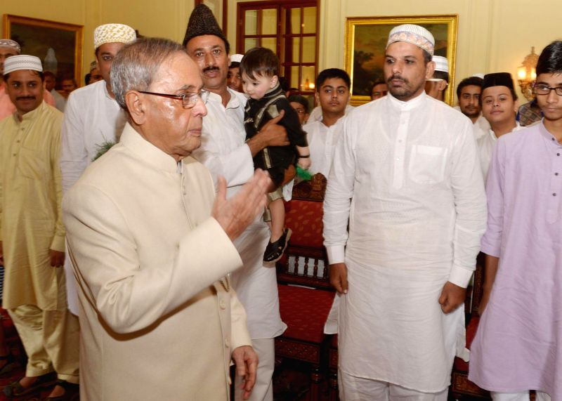 President Pranab Mukherjee celebrating Eid-ul-Fitr at Rashtrapati Bhavan on July 29, 2014.