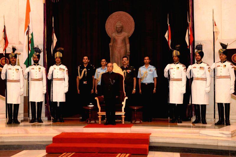 President Pranab Mukherjee hosts a reception for Freedom Fighters at Rashtrapati Bhawan in New Delhi, on Aug 9, 2016. - Pranab Mukherjee