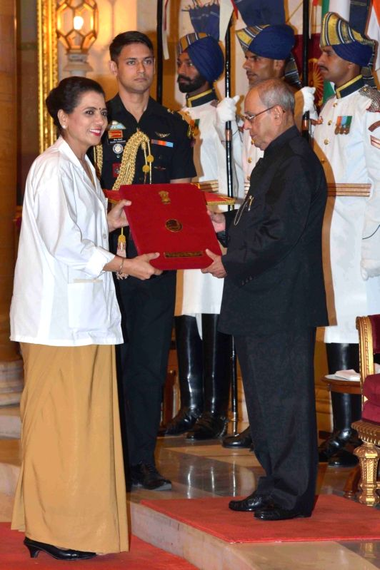 President Pranab Mukherjee presents National Florence Nightingale Awards on International Nurses' Day at Rashtrapati Bhavan on May 12, 2017. - Pranab Mukherjee
