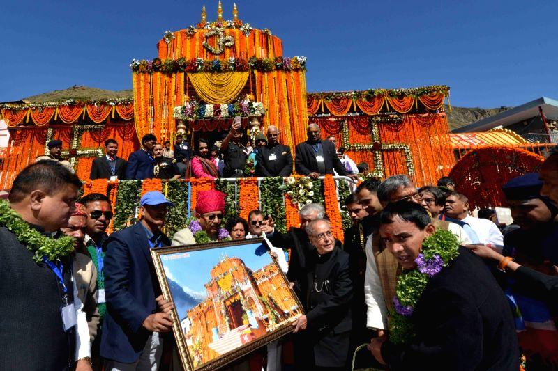 President Pranab Mukherjee visits Badrinath temple in Uttarakhand, on May 6, 2017. - Pranab Mukherjee
