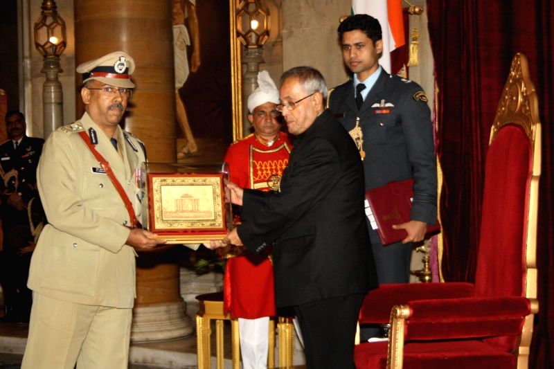 IPS Probationers meet Pranab Mukherjee