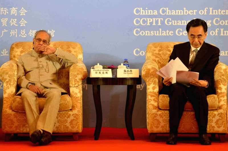 President Pranab Mukherjee with Governor of Guangdong Province Zhu Xiaodan at India-China Business Forum in Guangzhou of China on May 25, 2016. - Pranab Mukherjee