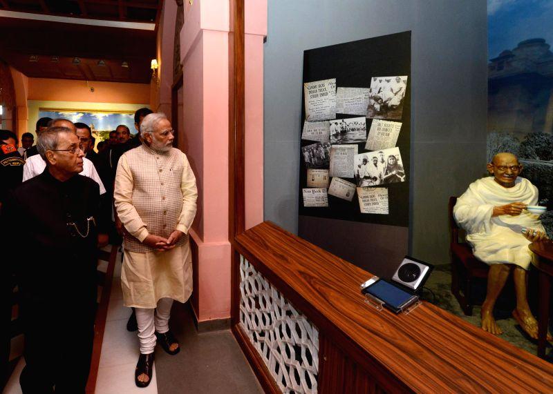 President Pranab Mukherjee with Prime Minister Narendra Modi visit Rashtrapati Bhavan Museum in New Delhi on July 25, 2014. - Narendra Modi