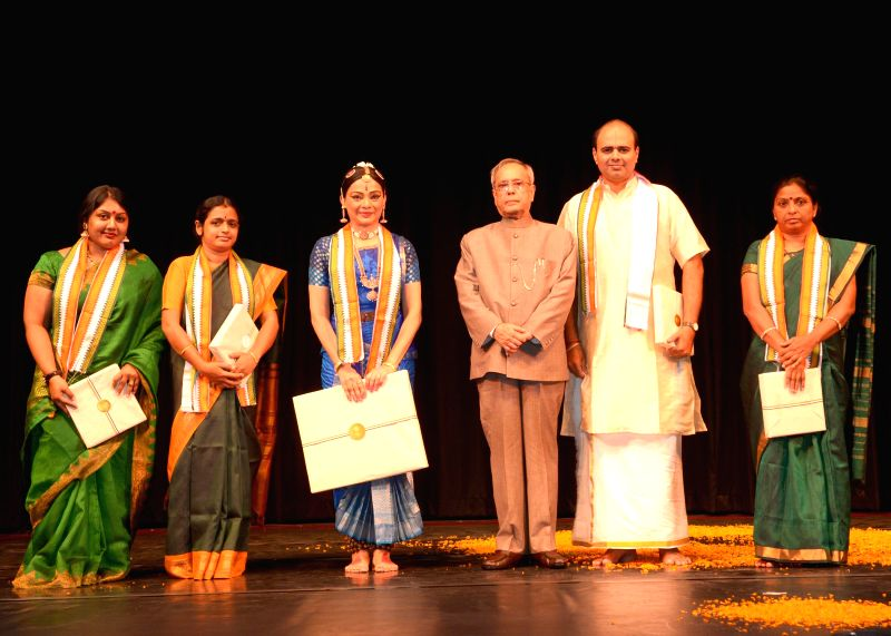 President Pranab Mukherjee witnessing Bharatnatyam performance by Ms. Malavika Sarrukai at Rashtrapati Bhavan Auditorium in New Delhi on Aug 16, 2014. - Pranab Mukherjee