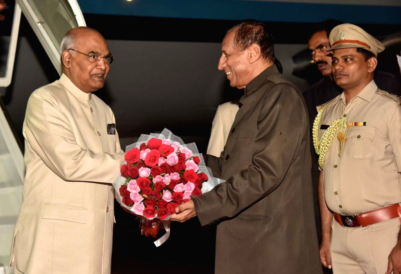 President Ram Nath Kovind being received by Telangana Governor ESL Narasimhan at Begumpet Airport in Hyderabad on Aug 4, 2018. - Nath Kovind