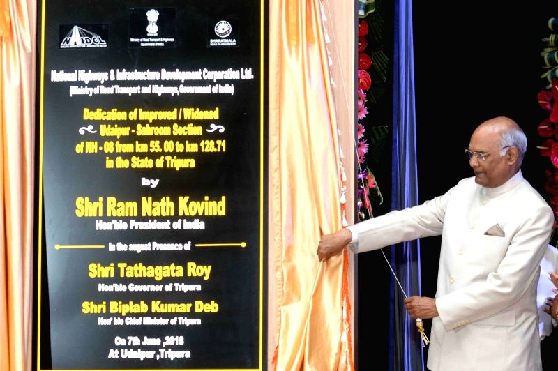 President Ram Nath Kovind unveils the plaque to inaugurate the National Highway from Matabari to Sabroom at Udaipur in Gomati district of Tripura on June 7, 2018. - Nath Kovind