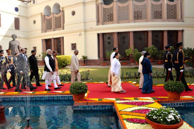 President Ram Nath Kovind, Vice President M. Venkaiah Naidu, Prime Minister Narendra Modi, Lok Sabha Speaker Sumitra Mahajan and Union Minister Ananth Kumar walk towards the central hall ... - Narendra Modi, M. Venkaiah Naidu, Nath Kovind, Sumitra Mahajan and Ananth Kumar