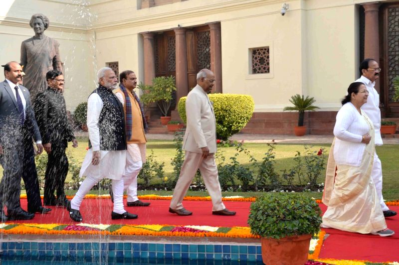 President Ram Nath Kovind, Vice President M. Venkaiah Naidu, Prime Minister Narendra Modi, Lok Sabha Speaker Sumitra Mahajan and Union Minister Ananth Kumar walk towards the central hall ... - Narendra Modi, M. Venkaiah Naidu, Nath Kovind, Sumitra Mahajan and Ananth Kumar