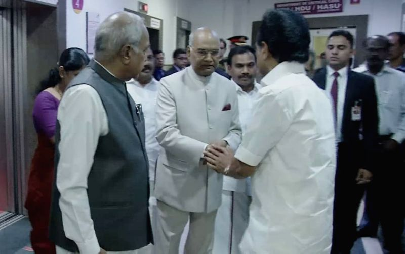 President Ram Nath Kovind visits at Kauvery Hospital where DMK President M Karunanidhi is being treated in Chennai on Aug 5, 2018. - Nath Kovind