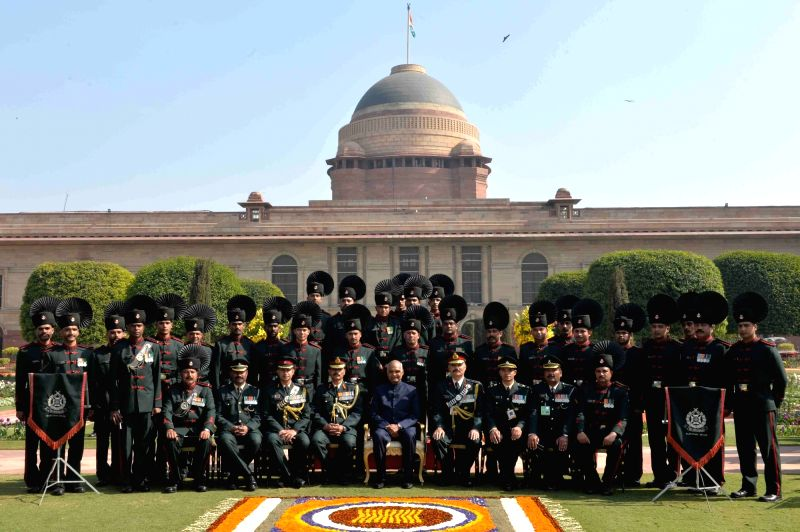 President Ram Nath Kovind with the Indian Army Band Contingents (participants of the Beating Retreat Ceremony) and Provost Outrides at Rashtrapati Bhavan in New Delhi on Jan 30, 2018. - Nath Kovind