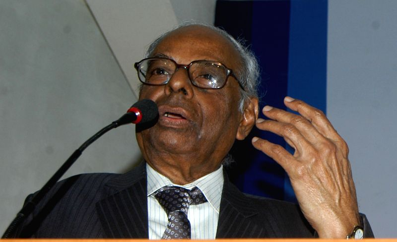:Prime Minister Economic Advisory Council Chairman (PMEAC) C Rangarajan addresses during the first Dr. Raja J. Chelliah Memorial Lecture jointly organised by Southern India Chamber of Commerce and ...
