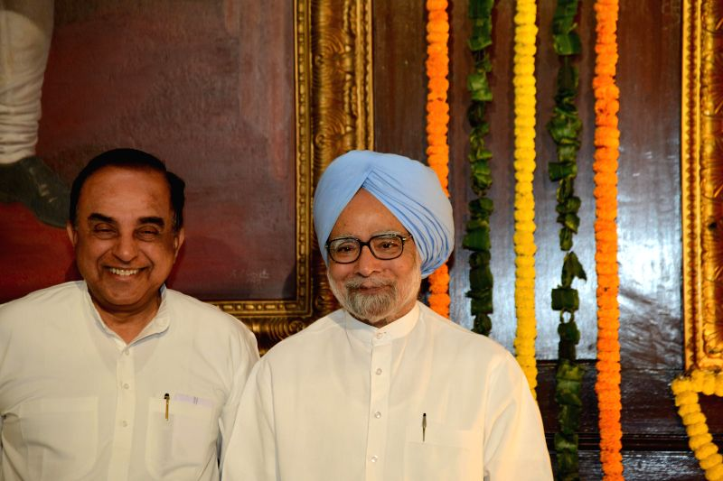 Prime Minister Manmohan Singh and BJP leader Subramanian Swamy during a programme organised on 153 Rabindra Jayanti in the Parliament on on May 9, 2014. - Manmohan Singh
