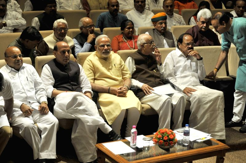 Prime Minister Narendra Modi and BJP veteran L.K. Advani with Union Ministers Thawar Chand Gehlot, Rajnath Singh, M Venkaiah Naidu, Manoj Sinha, Niranjan Jyoti and others during BJP ... - Narendra Modi, Thawar Chand Gehlot, Rajnath Singh, M Venkaiah Naidu, Manoj Sinha, Niranjan Jyoti and K. Advani