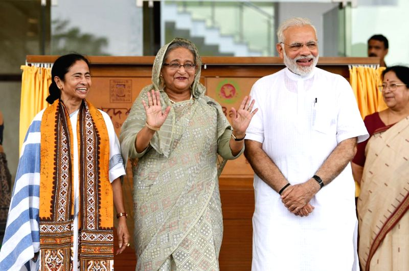 Prime Minister Narendra Modi and his Bangladeshi counterpart Sheikh Hasina jointly inaugurate the Bangladesh Bhavan at Santiniketan, in West Bengal on May 25, 2018. Also seen West ... - Narendra Modi and Mamata Banerjee