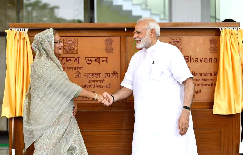 Prime Minister Narendra Modi and his Bangladeshi counterpart Sheikh Hasina jointly inaugurate the Bangladesh Bhavan at Santiniketan, in West Bengal on May 25, 2018. - Narendra Modi