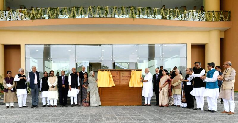 Prime Minister Narendra Modi and his Bangladeshi counterpart Sheikh Hasina jointly inaugurate the Bangladesh Bhavan at Santiniketan, in West Bengal on May 25, 2018. Also seen West ... - Narendra Modi and Keshari Nath Tripathi