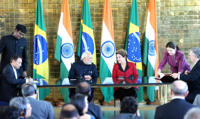 Prime Minister Narendra Modi and President of Brazil Dilma Rousseff at the signing ceremony following their meeting on the sidelines of the Sixth BRICS Summit in Brasilia, Brazil on July 16, 2014. - Narendra Modi