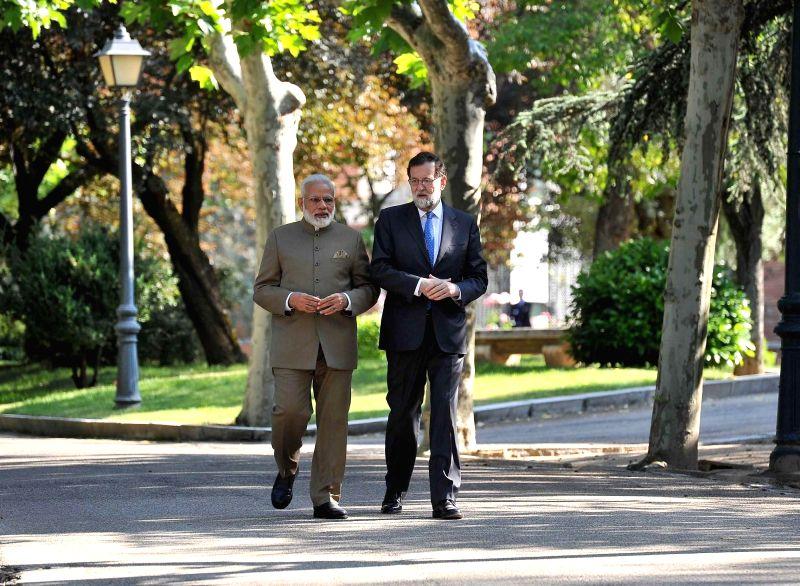 Prime Minister Narendra Modi and Spanish President Maria no Rajoy at La Moncloa Palace in Madrid, Spainon May 31, 2017. - Narendra Modi