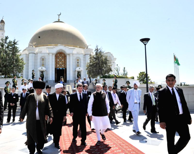 Prime Minister Narendra Modi at the Mausoleum of the First President of Turkmenistan, in Ashgabat, Turkmenistan on July 11, 2015. - Narendra Modi