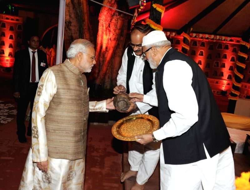Prime Minister Narendra Modi at the venue of `cultural walkthrough` and dinner hosted for the African Leaders, on the sidelines of the 3rd India Africa Forum Summit, in New Delhi on Oct ... - Narendra Modi