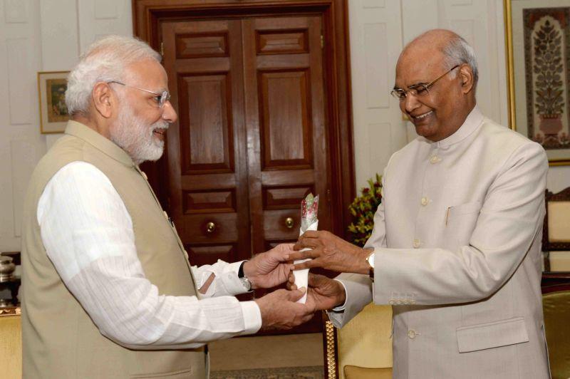 Prime Minister Narendra Modi calls on President Ram Nath Kovind at Rashtrapati Bhavan in New Delhi on Aug 9, 2018. - Narendra Modi and Nath Kovind