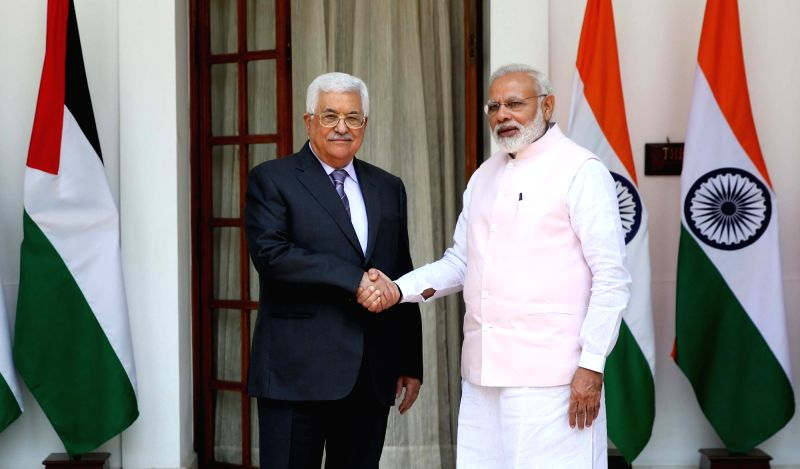 Prime Minister Narendra Modi meets Palestinian President Mahmoud Abbas, at Hyderabad House, in New Delhi on May 16, 2017. - Narendra Modi
